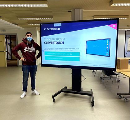 Livraison d'un Clevertouch 86 pouces UXpro